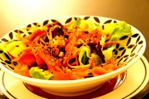 Salade de juliennes et saumon fume